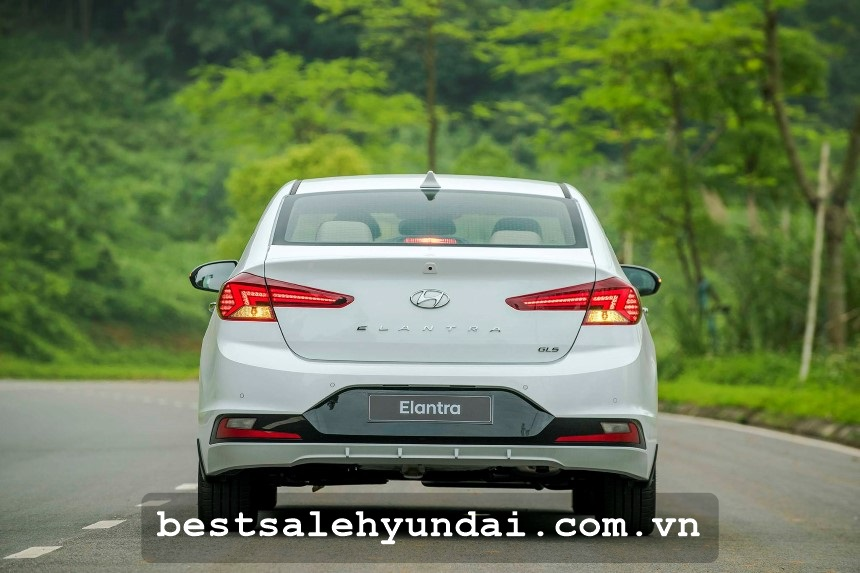 Hyundai Elantra 2020 Den Hau