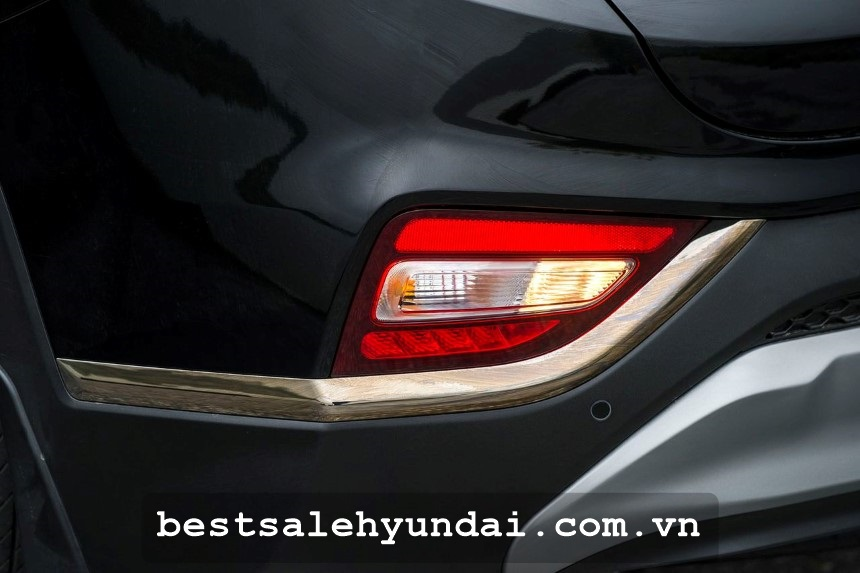 Hyundai Santafe 2020 Den Lui
