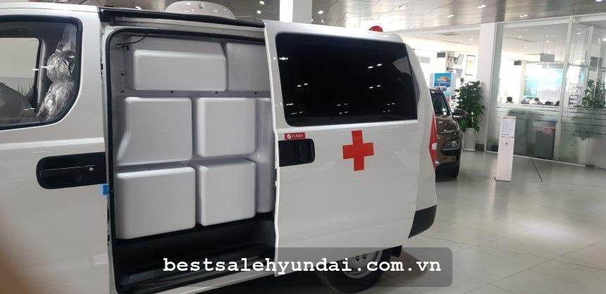 Hyundai Starex Cuu Thuong 2020 Cua Hong