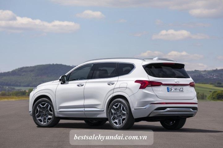Hyundai Santafe 2021 Duoi Xe